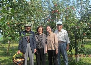 長谷川夫妻と泰子