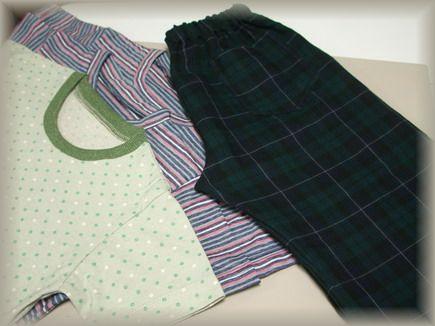 Tシャツ3枚、ハーフパンツ1枚