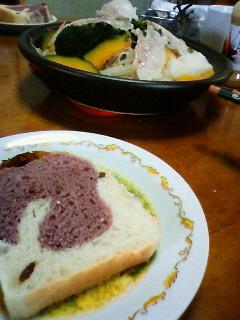 紫イモパン♪&ダジン鍋♪