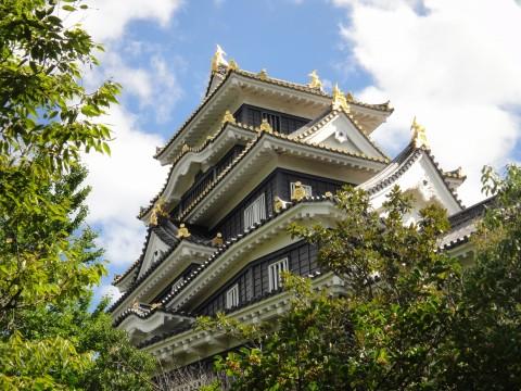 下から岡山城