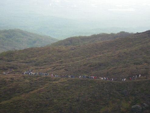 朝日岳へ 054