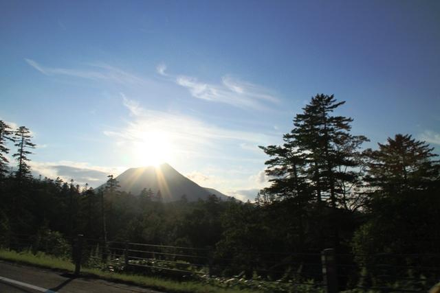 022車窓からの雄阿寒岳