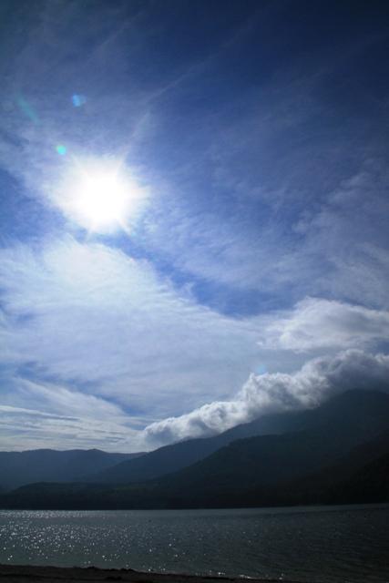 173金山湖と太陽