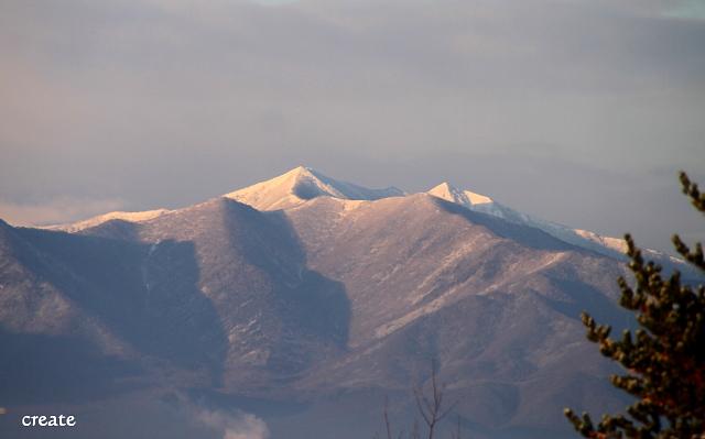 DPP0 668 003 雪をかぶった頂上0443