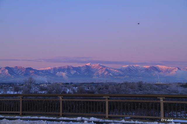 DPP0 668 113朝陽に染まる山0443