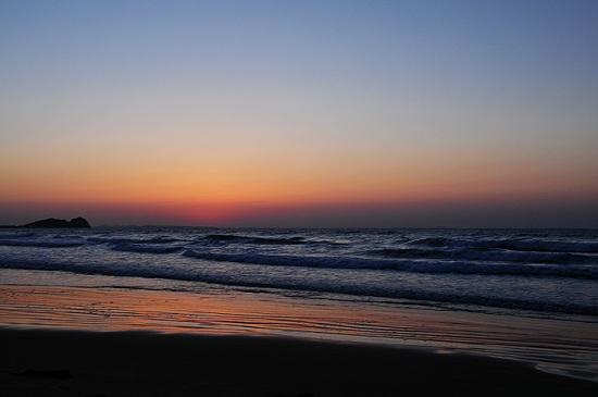 光る海12