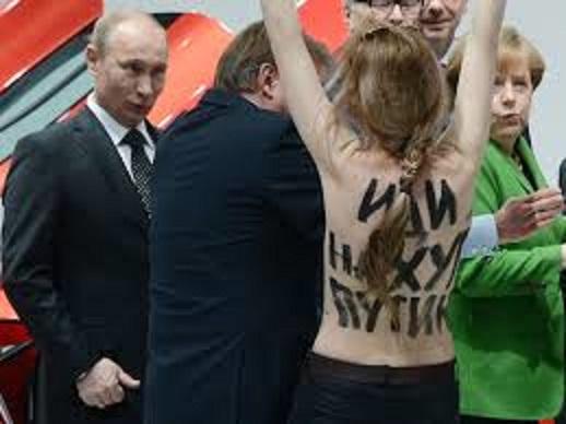 プーチンと裸女