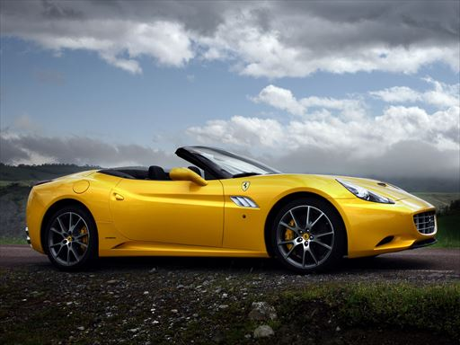 Ferrari_California_Convertible_R.jpg