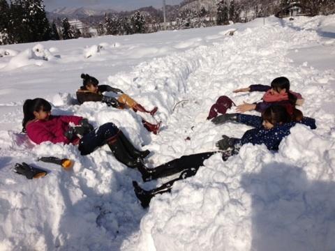 雪で遊ぶSATOYAMAっ子