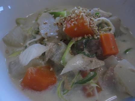 根菜の豆乳味噌スープ