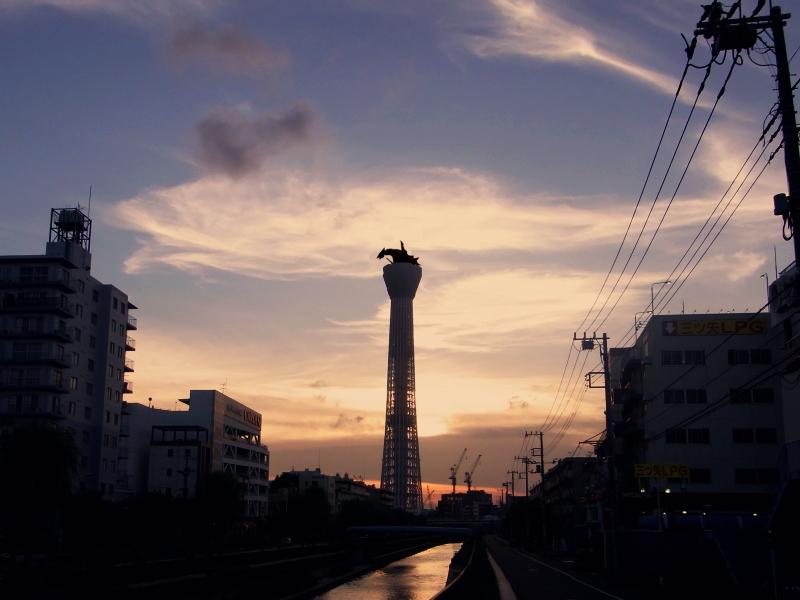 東京スカイツリーとギャオス