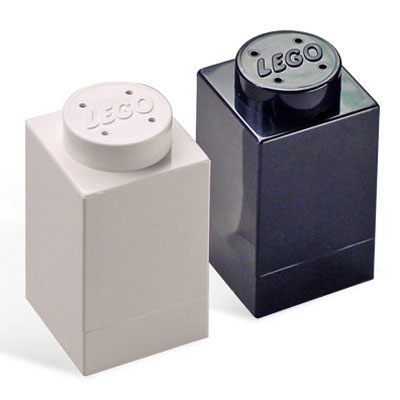 lego-salt-pepper-shakers-1.jpg