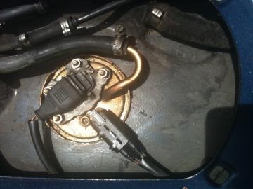 E30 燃料ポンプ