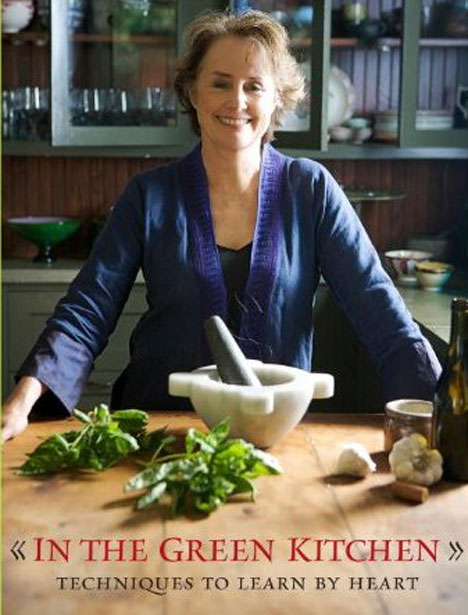 0929alice-waters-in-green-kitchen