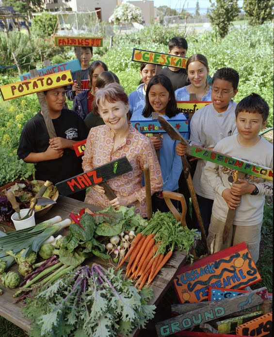 0929alice-waters-edible-school-yard