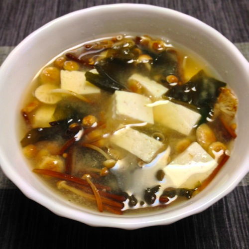 6豆腐キノコ味噌汁