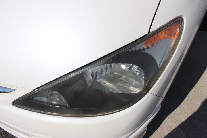 左側ヘッドライト