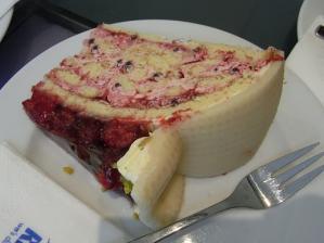 マジパンで包んだケーキ
