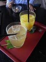 オレンジジュースと甘夏ソーダ