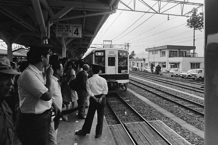 1986東武日光線下今市駅_併結シーン01