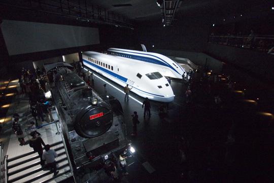 20110402_maglev_rail_park-06.jpg