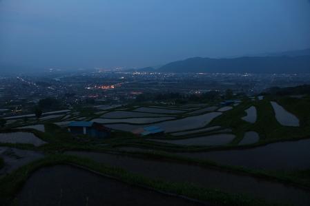 棚田と夜景のイマイチ写真