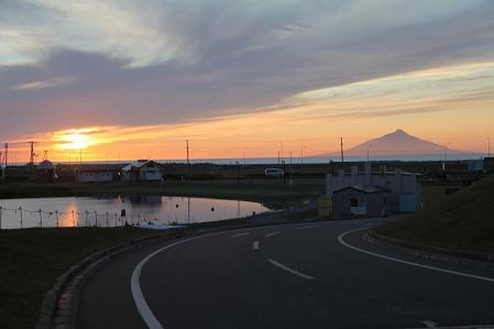 天塩 鏡沼キャンプ場付近より夕日を望む