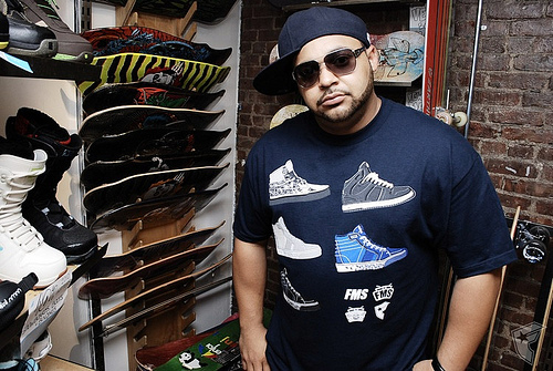 Joell Ortiz #8211; Money Makes The World Go Round