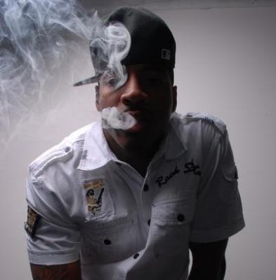 DJ Holiday #8211; Trapped Out (ft. Yo Gotti, Waka Flocka, Pill  SL Jones)