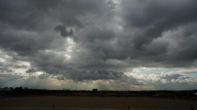 朱雀門方面・彩色雲