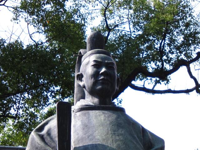 矢田部銅像2