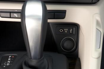 BMW X1の外部入力(AUX)