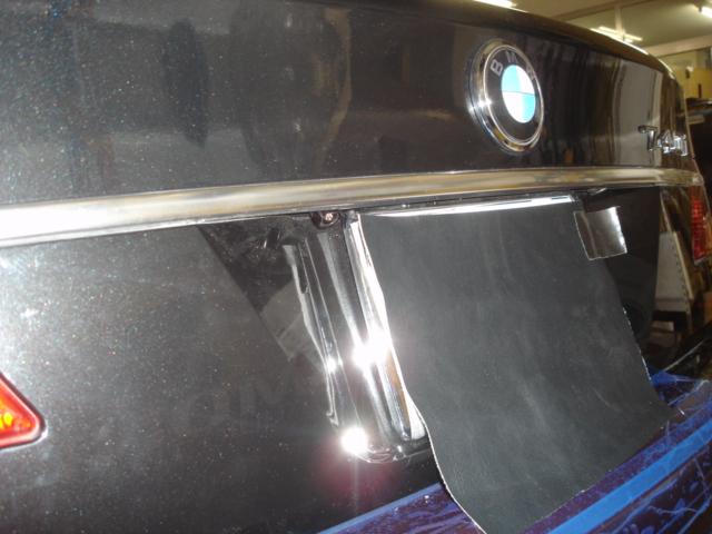 BMW 7シリーズ(E65)のバックカメラ取付