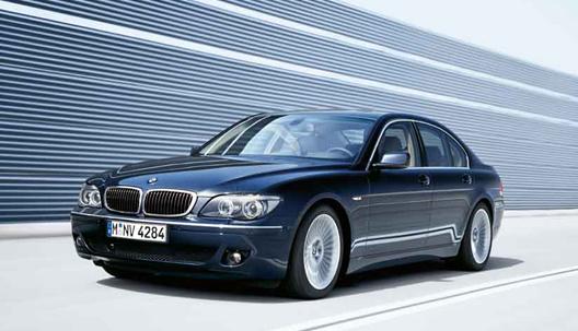 BMW 7シリーズ(E65)に地デジ、バックカメラを取付できます。