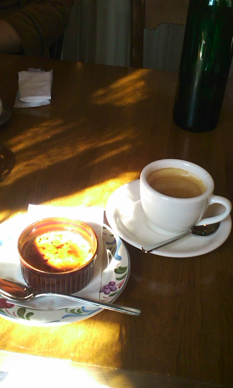 クレームブリュレとコーヒー