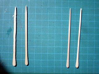 木材からオール削り出し。ヤスリで磨きます(26本)