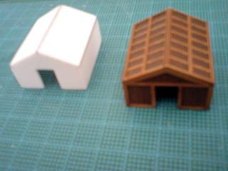 船尾楼小屋はガレアスのものを複製。プラ板箱組み