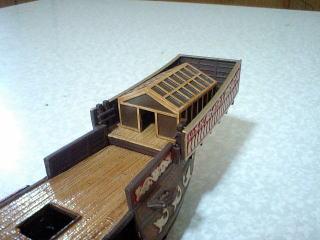 塗装完了。船尾楼に仮組みしました。