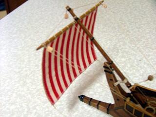 船首楼 ロープ類を束ねて接着してあります。