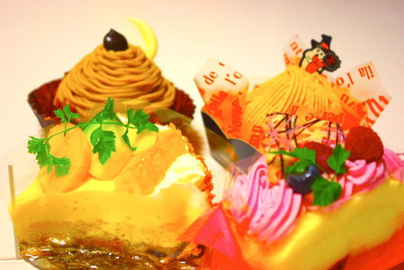 色鮮やかなケーキは何時見ても心躍る