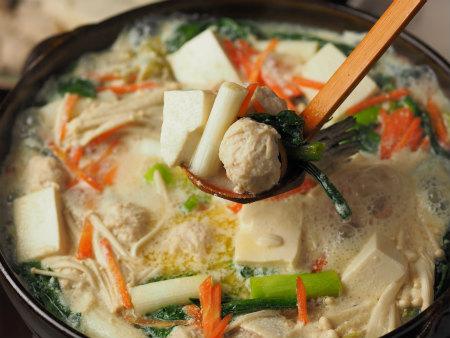 サーモンカマと鶏団子の豆乳13