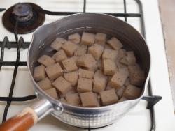 鶏レバーとこんにゃくのぴり辛煮26