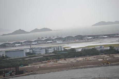台風の空港