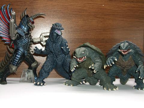 『ゴジラ』&『ガメラ』の食玩~「究極大怪獣」&「激造」(1)