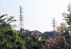現実の安針塚にある鉄塔