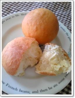 バター好きのためのマーガリンを塗ったパン