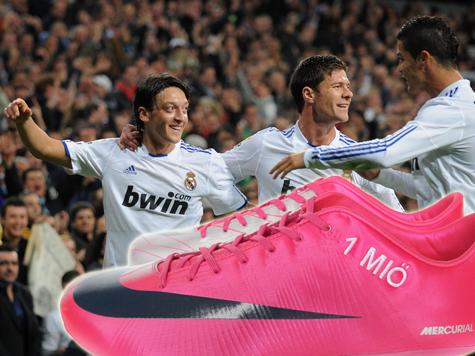 Özil hat jetzt '1 MIÖ' Facebook-Fans