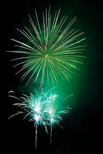 s-green-fireworks-11290605958L8F.jpg