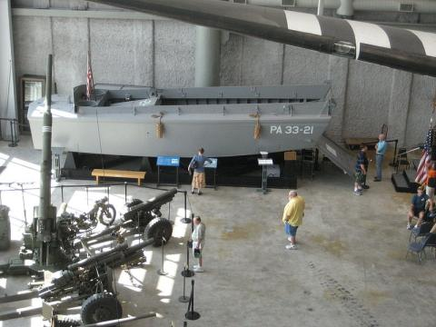 D-Day博物館に展示中のLCVP