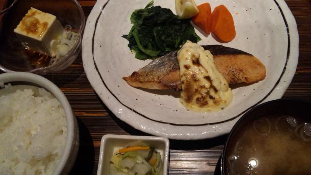 鮭のタルタルソース定食